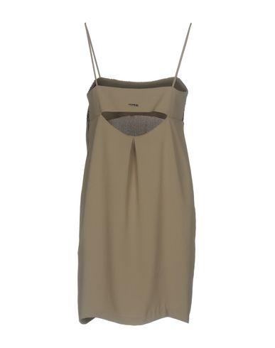 Фото 2 - Женское короткое платье TWINSET серого цвета