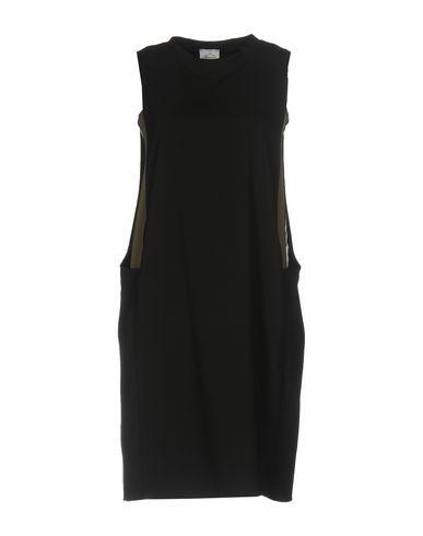 Фото - Женское короткое платье BERNA черного цвета