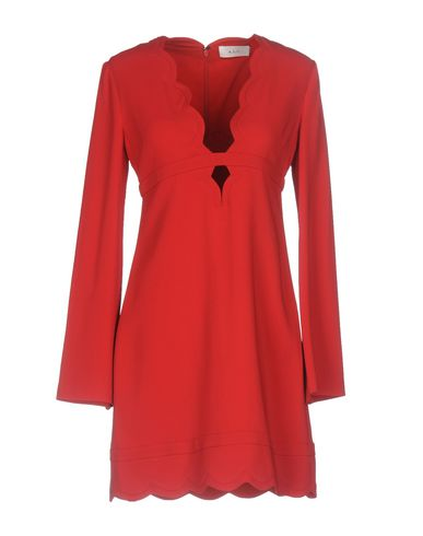 Фото - Женское короткое платье A.L.C. красного цвета