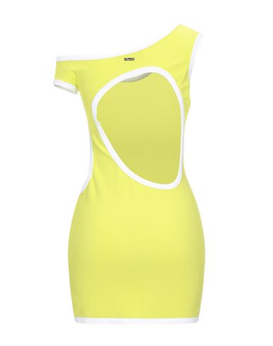 Фото 2 - Женское короткое платье  кислотно-зеленого цвета