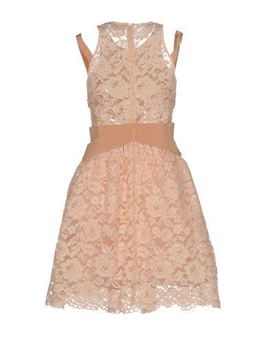 Фото 2 - Женское короткое платье ELISABETTA FRANCHI GOLD цвет телесный