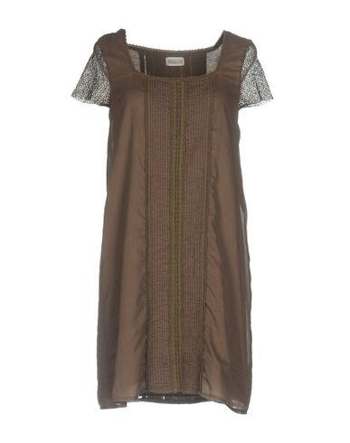 Фото - Женское короткое платье ALPHA STUDIO цвета хаки