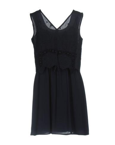 Фото 2 - Женское короткое платье NAF NAF темно-синего цвета
