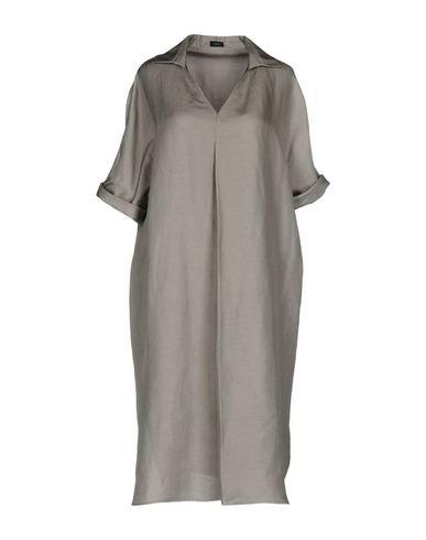 Фото - Платье до колена серого цвета
