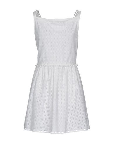 Фото 2 - Женское короткое платье  белого цвета