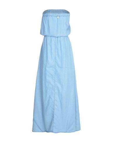 Фото 2 - Женское длинное платье  небесно-голубого цвета