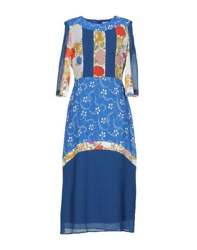 Фото - Платье длиной 3/4 от RARY синего цвета