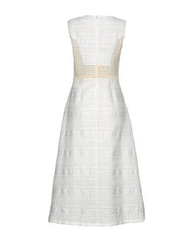 Фото 2 - Платье длиной 3/4 от RARY белого цвета
