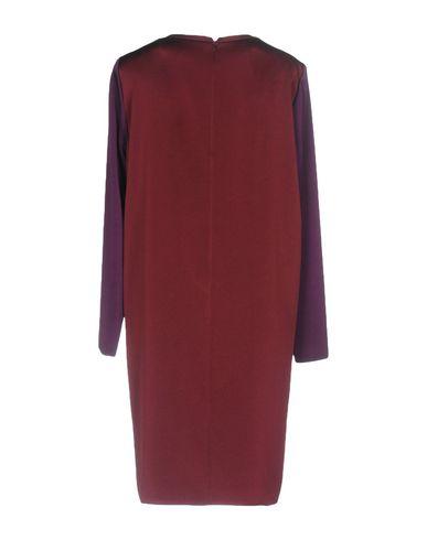 Фото 2 - Женское короткое платье  цвет баклажанный