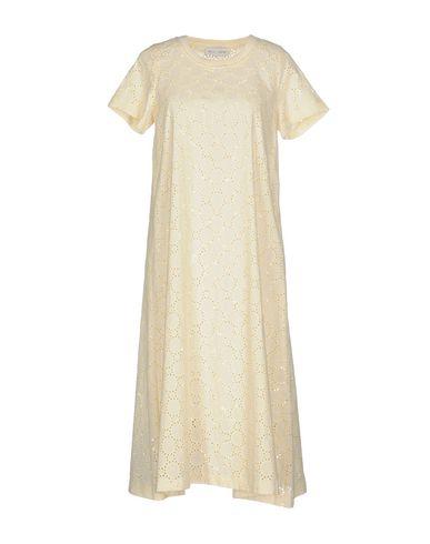 Фото - Платье длиной 3/4 от WEILI ZHENG бежевого цвета