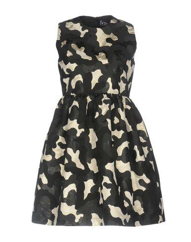 Фото - Женское короткое платье MSGM черного цвета