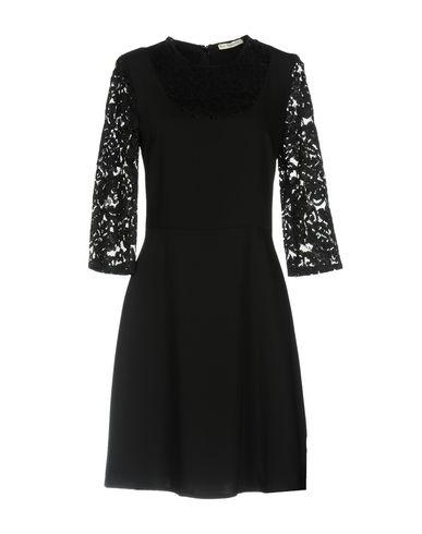 Фото - Женское короткое платье RUE•8ISQUIT черного цвета