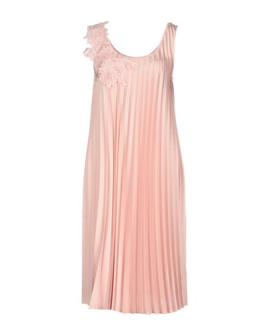 Фото - Платье до колена от P.A.R.O.S.H. розового цвета