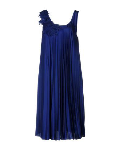 Фото - Платье до колена от P.A.R.O.S.H. ярко-синего цвета