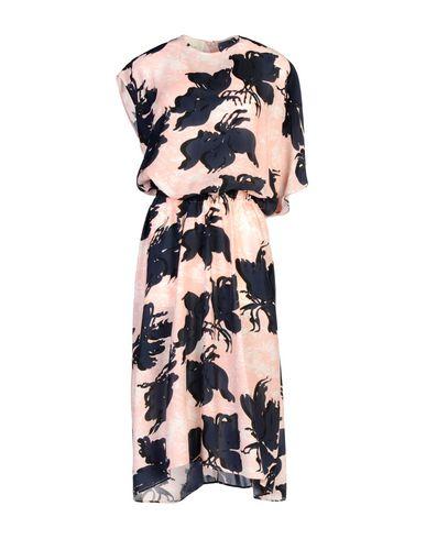 Фото - Платье длиной 3/4 от CEDRIC CHARLIER розового цвета