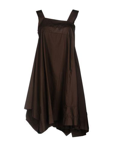 Фото - Женское короткое платье VIRNA DRÒ® темно-коричневого цвета