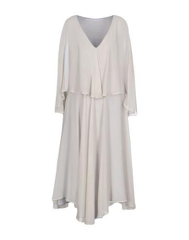 Фото - Платье длиной 3/4 от MAISON LAVINIATURRA светло-серого цвета