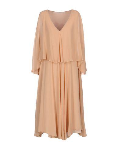 Фото - Платье длиной 3/4 от MAISON LAVINIATURRA цвет песочный