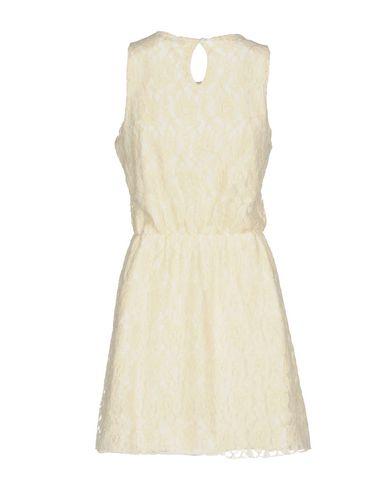 Фото 2 - Женское короткое платье UFFICIO 87 цвет слоновая кость