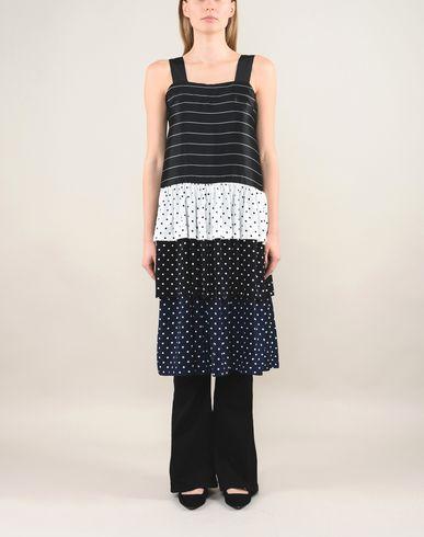 Фото 2 - Платье до колена от FLEAMADONNA x YOOX черного цвета