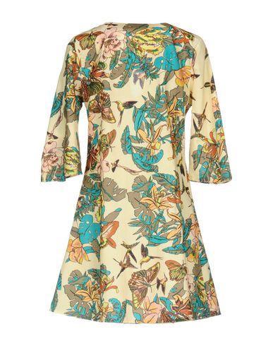 Фото 2 - Женское короткое платье 100X200 CENTOXDUECENTO бежевого цвета