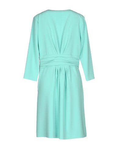 Фото 2 - Женское короткое платье  светло-зеленого цвета