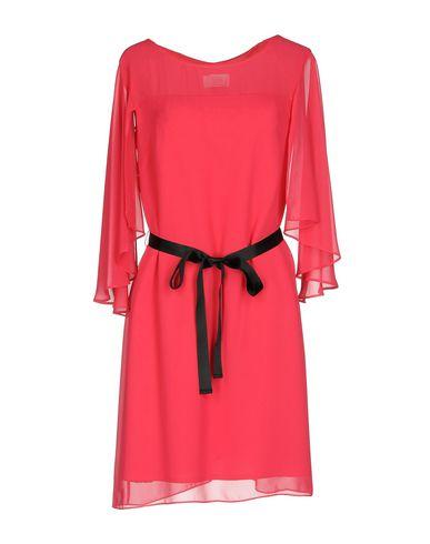 Фото - Женское короткое платье KITTE цвета фуксия