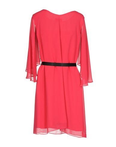 Фото 2 - Женское короткое платье KITTE цвета фуксия