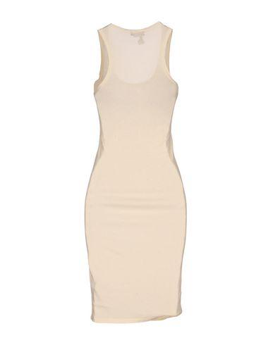 Фото 2 - Женское короткое платье SOALLURE цвет слоновая кость