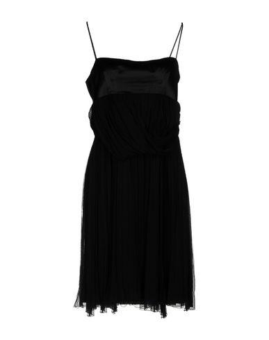 Фото - Платье до колена черного цвета
