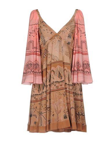 Фото - Женское короткое платье  светло-коричневого цвета