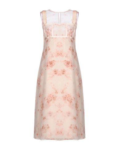 Фото - Платье длиной 3/4 светло-розового цвета