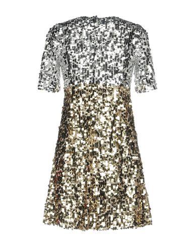 Фото 2 - Женское короткое платье  серебристого цвета