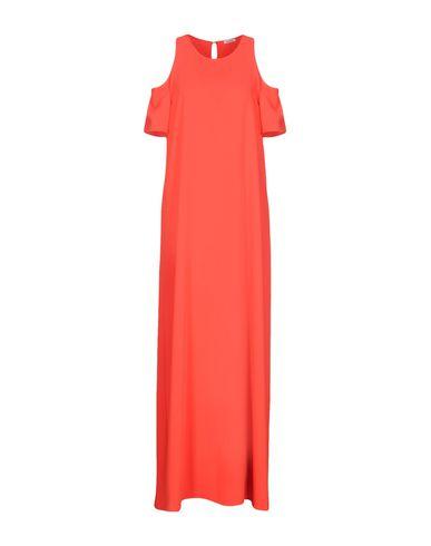 Фото - Женское длинное платье P.A.R.O.S.H. красного цвета