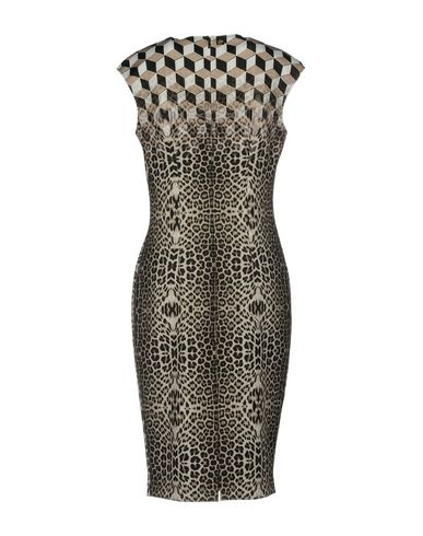 Фото 2 - Платье до колена бежевого цвета