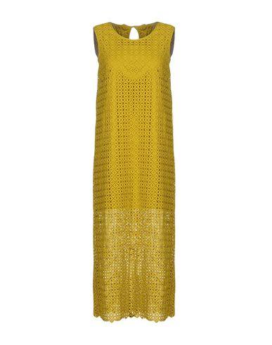 Фото - Женское длинное платье  кислотно-зеленого цвета