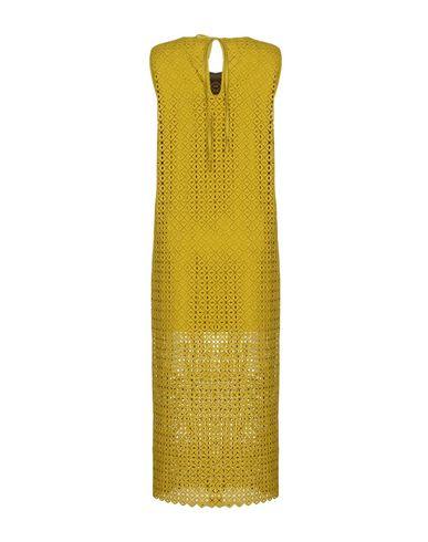 Фото 2 - Женское длинное платье  кислотно-зеленого цвета
