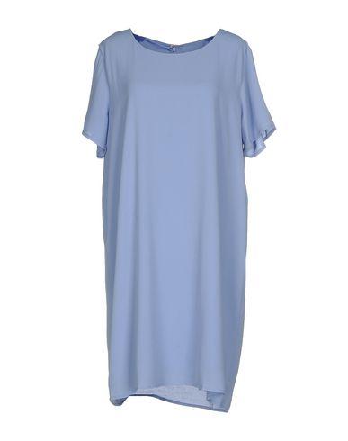 Фото - Женское короткое платье DRY LAKE. сиреневого цвета
