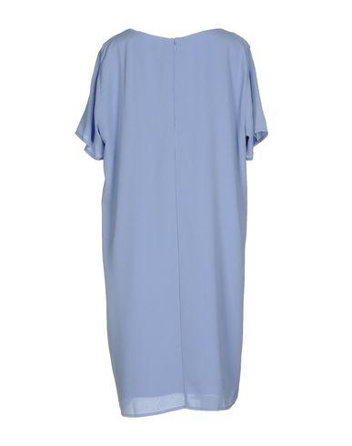 Фото 2 - Женское короткое платье DRY LAKE. сиреневого цвета
