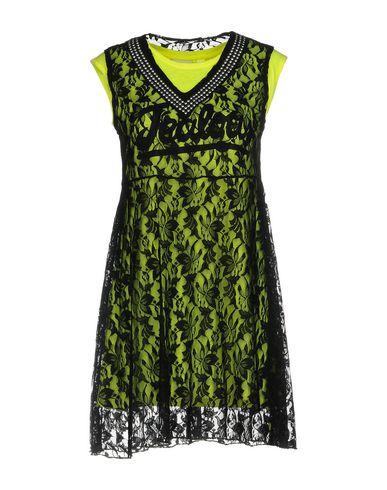 Короткое платье от FOLLOW US