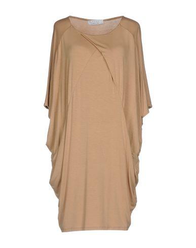 Фото - Женское короткое платье  цвет верблюжий