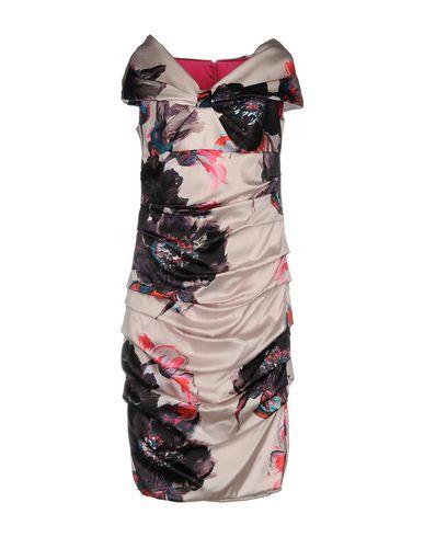 Фото - Платье до колена от IVAN MONTESI светло-розового цвета