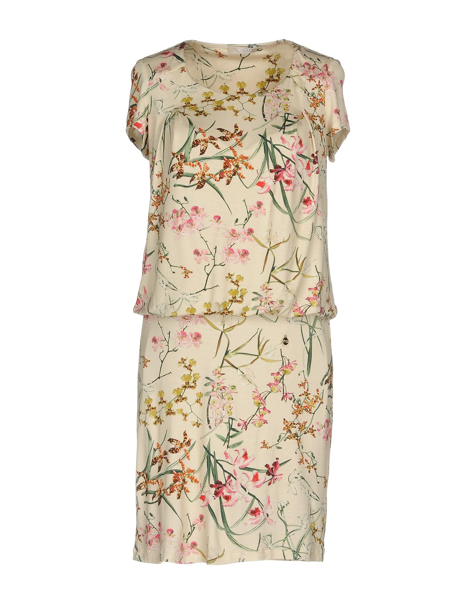 NERO GIARDINI Короткое платье