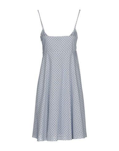 Фото 2 - Женское короткое платье MARIUCCIA белого цвета
