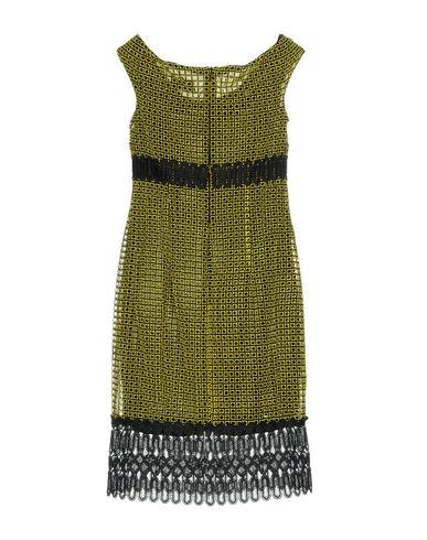 Фото 2 - Платье до колена желтого цвета