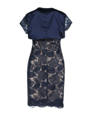 Фото 2 - Женское короткое платье BAGATELLE темно-синего цвета