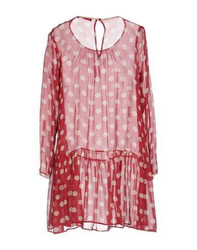 Фото 2 - Женское короткое платье TWINSET цвет пурпурный