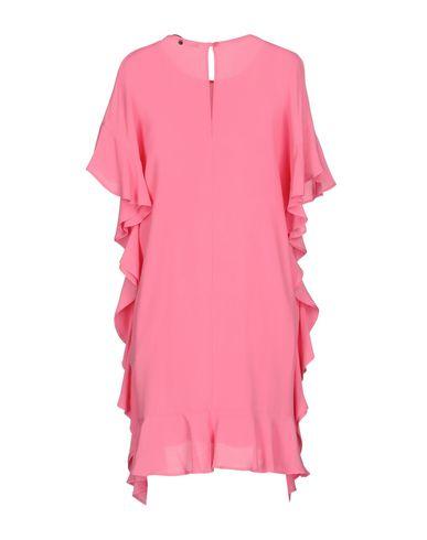 Фото 2 - Женское короткое платье ANNARITA N. розового цвета