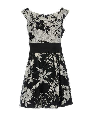 Фото 2 - Женское короткое платье EVOE черного цвета
