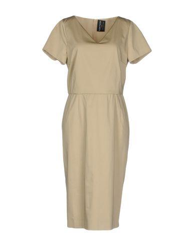 Платье до колена размер 46 цвет бежевый